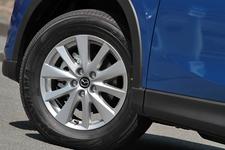 マツダ CX-5 XD[4WD/ボディカラー: スカイブルーマイカ] 225/65R17 102Vタイヤ & 17インチアルミホイール