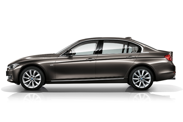 BMW NEW 3シリーズ セダン ロングホイールベースバージョン[BMW NEW 335Li] サイドビュー