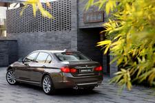 BMW NEW 3シリーズ セダン ロングホイールベースバージョン[BMW NEW 335Li]外観イメージ3