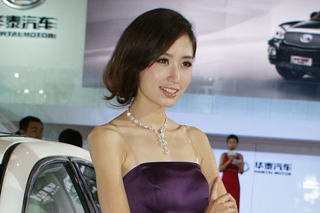美脚全開!北京モーターショー2012 美人コンパニオン画像ギャラリー