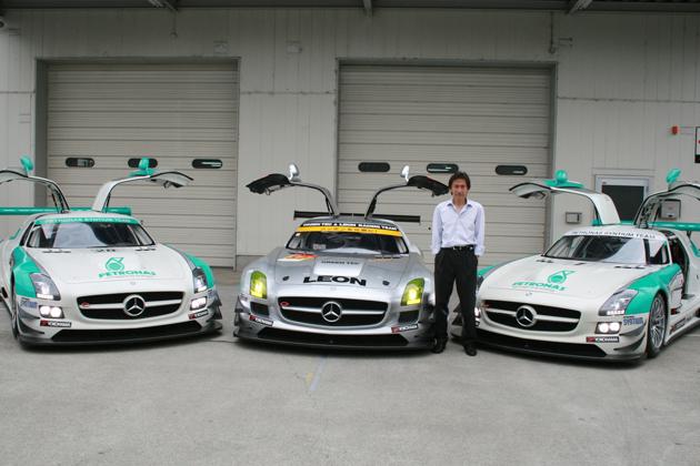 竹内浩典選手((株)シフト代表)とS耐・SuperGT参戦車両