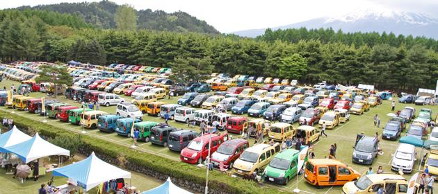 「ルノーカングージャンボリー2012」600台を超えるカングーたちが富士のふもとに大集合!