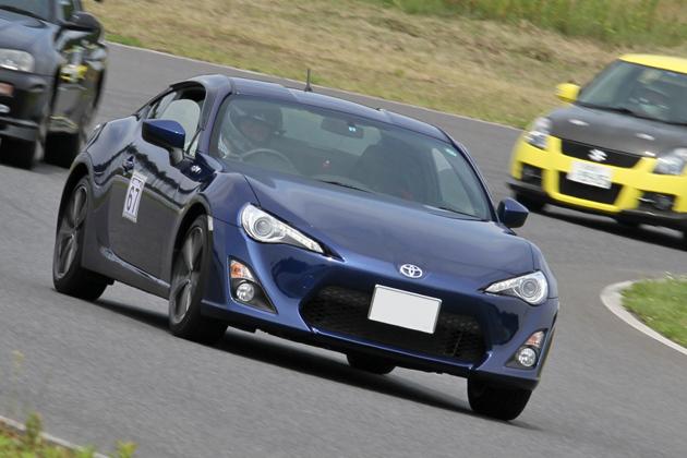 「トヨタ 86 サーキット試乗会」[2012/06/24:袖ヶ浦フォレストレースウェイ] 86 スポーツ走行会は他モデルとの混走で行われた。
