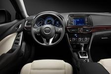 新型「マツダ アテンザ(Mazda6)」2013年モデル[2012モスクワモーターショー出展車] 運転席周り