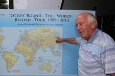 THE WORLD RECORD TOUR 1989-2012 Mr グンター・ホルトルフ氏 インタビュー