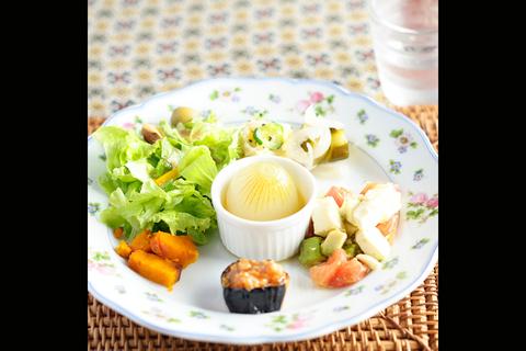 タマネギとお野菜のサラダ。
