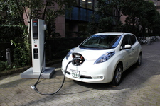 新型急速充電器(標準仕様)とLEAF【日産自動車 ゼロエミッション事業本部 シニアエンジニア 柳下謙一 インタビュー】