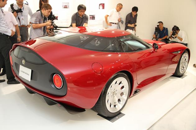[CoSTUME NATIONAL x Alfa Romeo Welcomes TZ3 Stradale to JAPAN]アルファ ロメオ TZ3 ストラダーレ リアビュー