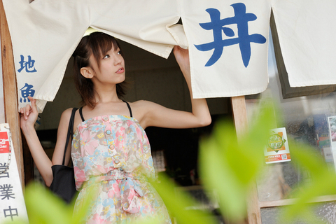 地魚定食がジマンの「丼」。鎌田さん、ちょっと飲み屋っぽいんですが・・・