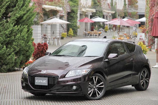 ホンダ 新型 CR-Z α 17インチ軽量アルミホイール装着車[ボディカラー:プレミアムノーザンライツバイオレット・パール]