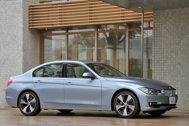 BMW ActiveHybrid 3 Modern(新型 3シリーズ アクティブハイブリッド3)[ボディカラー:リキッド・ブルーM]