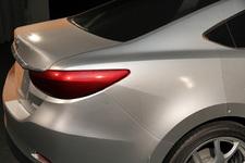 【DESIGNER'S ROOM】マツダ 新型 アテンザ デザイナーインタビュー 1/1モデル リアセクションの光の陰影がよく判るショット。