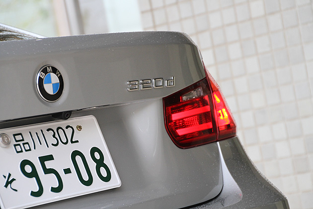 BMW 320d BluePerformance M Sport エンブレム