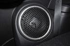 三菱 新型 アウトランダー 24G NAVI Package オプションの「ロックフォードフォズゲート プレミアムサウンドシステム用25cmデュアルボイスコイルサブウーハー