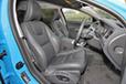 ボルボ V60 T4 R-DESIGN フロントシート