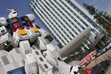 【2012-2013日本カー・オブ・ザ・イヤー】ダイバーシティ東京 プラザ「フェスティバル広場」