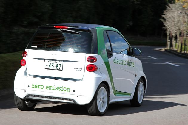 スマート フォーツー electric drive [電気自動車] 試乗レポート/岡本幸一郎