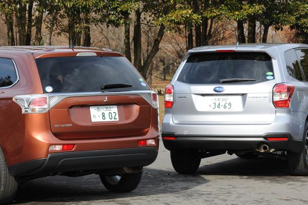 (左)三菱 新型アウトランダー (右)スバル 新型フォレスター