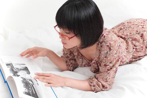 「へぇー、キミこんな本も見るんだ」あれ?すっかりリラックスモード?