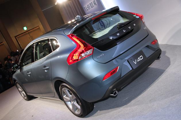ボルボ 新型V40