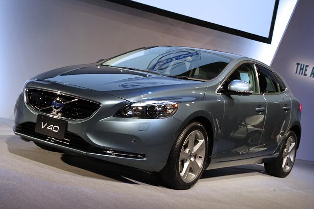 ボルボ 新型V40 新型車速報 -269万円で購入できるプレミアムコンパクト「V40」は、世界初の安全装備を搭載!-