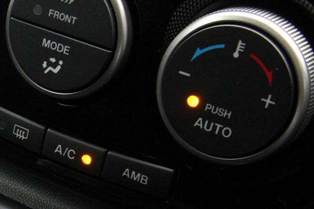 ヒーター 燃費 シート 冬でもポカポカ暖かい純正シートにスッキリ後付けシートヒーター|トータルカービューティIIC
