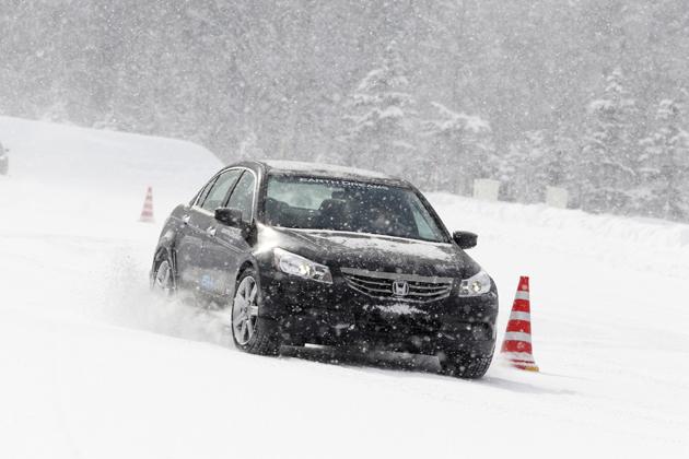 「Honda SPORT HYBRID SH-AWD」[試験車両] テスト走行シーン3