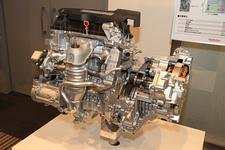 2.0L DOHC i-VTEC アトキンソンサイクルエンジンと2モーターエレクトリックCVT