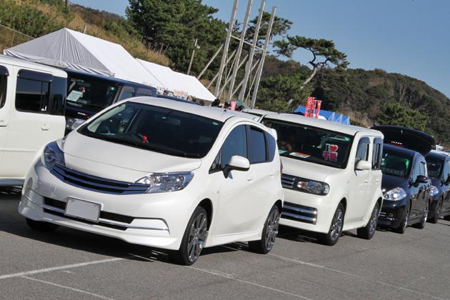画像は「AUTECH OWNERS GROUP(AOG) 湘南里帰りミーティング2012」イベントの模様