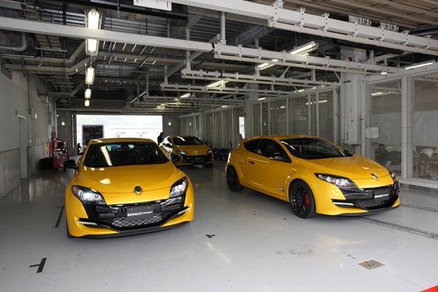 ルノー、「トゥインゴ ルノー・スポール」と「メガーヌ エステート GT 220」を発売 ~ルノー・スポールモデルの開発テストを日本で実施~