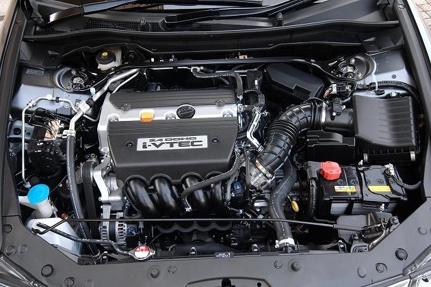 直列4気筒DOHC i-VTECエンジン
