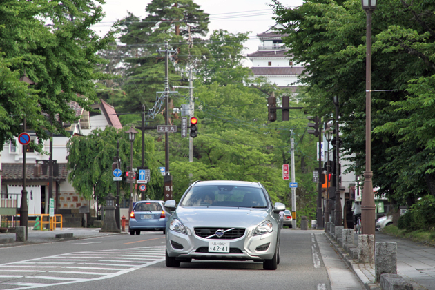 美味を目指し、ボルボV60 T4[2013年モデル]でいざ会津へ!~ボルボ V60 ロングドライブ 試乗レポート~/今井優杏
