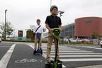 トヨタ、パーソナル移動支援ロボット「Winglet」の公道実証実験を「つくばモビリティロボット実験特区」で開始