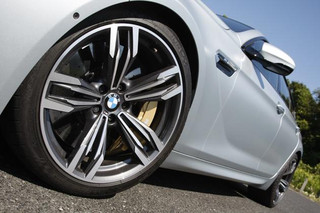 BMW M6 グランクーペ[ボディカラー:フローズンシルバー(BMW Individual特別色)] エクステリア