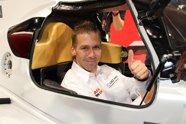Nissan ZEOD RCとミハエル・クルム選手