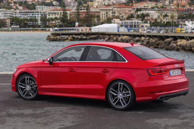 Audi S3 Sedan : 日本初出品