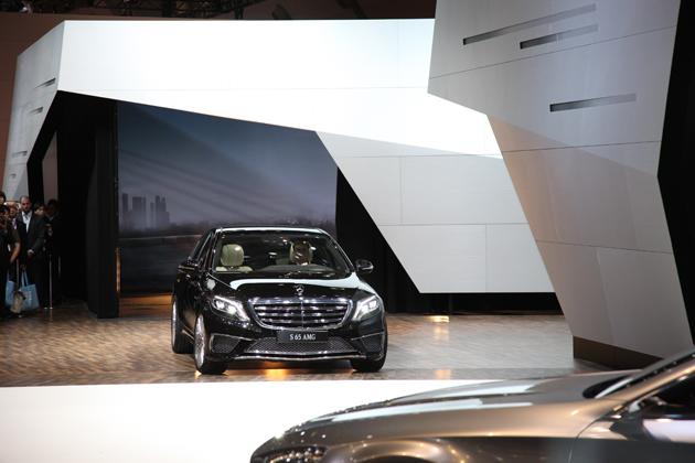 【東京モーターショー2013 現地速報】メルセデス・ベンツが、世界初公開となる「S65AMGロング」と「SLS AMG GTファイナルエディション」を公開!