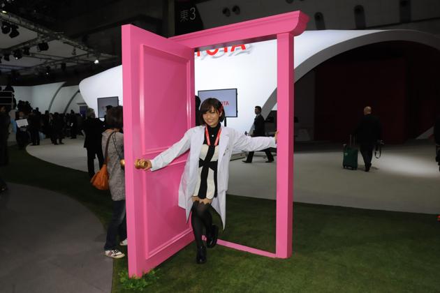 【綺麗な女医さんは好きですか?】安枝瞳の東京モーターショー診察中!【トヨタ編】