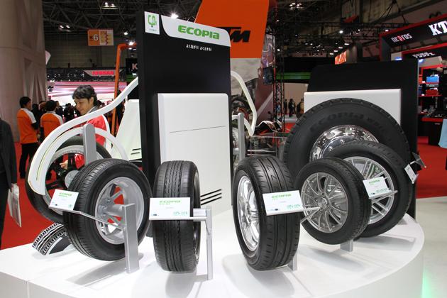 【東京モーターショー2013 現地速報】ブリヂストンブースでは空気の要らないタイヤ「エアフリーコンセプト」が第二世代へと進化!