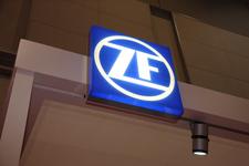 ZFブース(東京モーターショー2013)