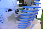 【東京モーターショー2013 現地速報】アルパインブースではドライバーの視線や動きを読みとる近未来コックピットを展示!