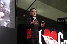 豊田昭男社長 東京オートサロン2014 トヨタブースにて