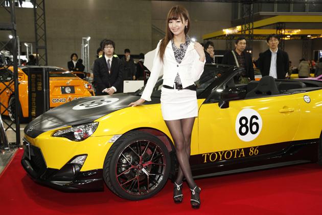 東京オートサロン2014 トヨタ・GAZOOレーシング 加藤桃子さん