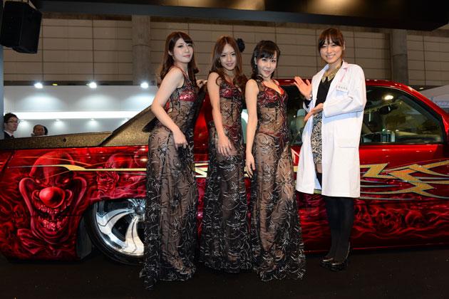 女医みさとんが診察♪今回はAIWAブースとインパルブースに潜入♪【東京オートサロン2014】