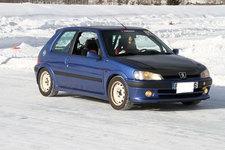 青山学院大学 湯川さんの愛車「プジョー106」
