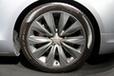 アウディ 新型A8 タイヤ&アルミホイール