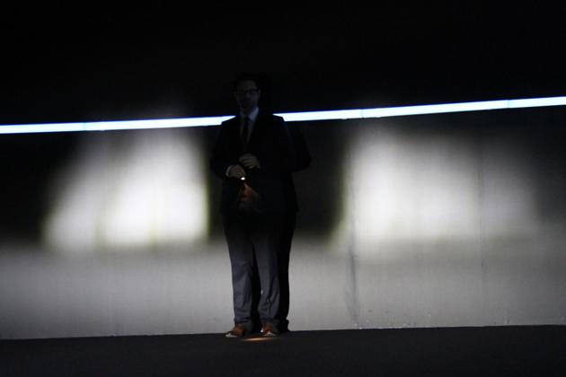 アウディ 新型A8「Matric LED headlight」のテスト。画像は「Matric LED headlight」がオンの状態