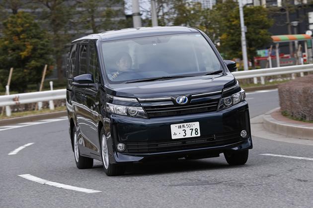 【試乗】トヨタ 新型 ヴォクシー ハイブリッド・ノア ハイブリッド 試乗レポート/今井優杏