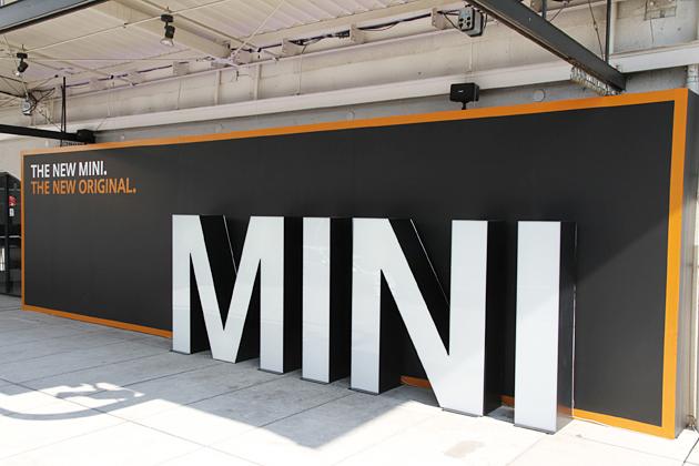 新型MINI発表会の模様