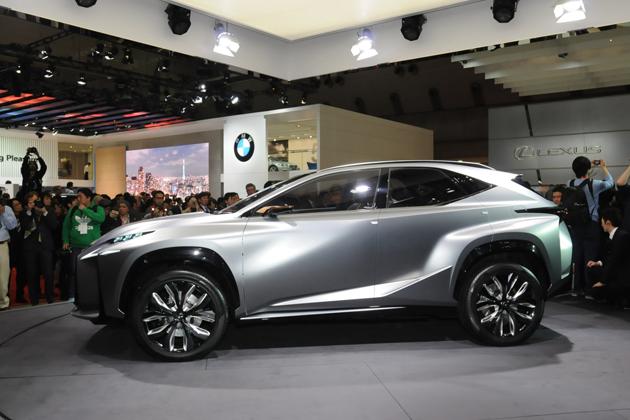 LEXUS(レクサス)「NX」のベース車である「LF-NX」 ※画像は東京モーターショー2013のもの サイドエクステリア